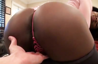 Chocolate hottie with stunning body exposes her tiny holes